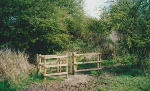 17. 2000 Footpath 14 kissing gate Chestnut meadow